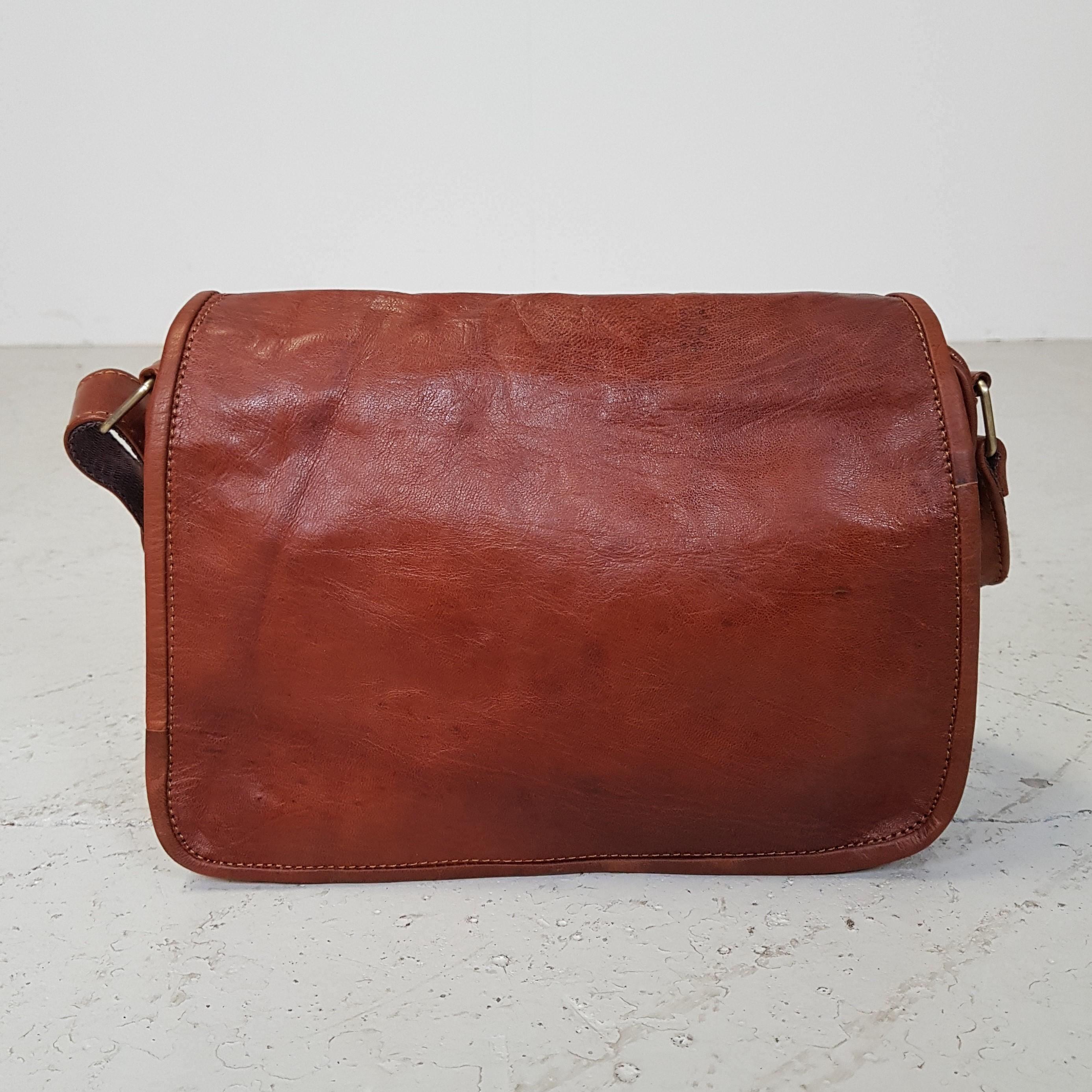 cognacfarvet læder taske