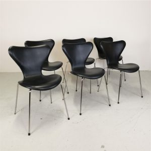 Spisebordsstole 7ér / Arne Jacobsen / Fritz Hansen