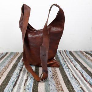 Læder taske i mørk brun