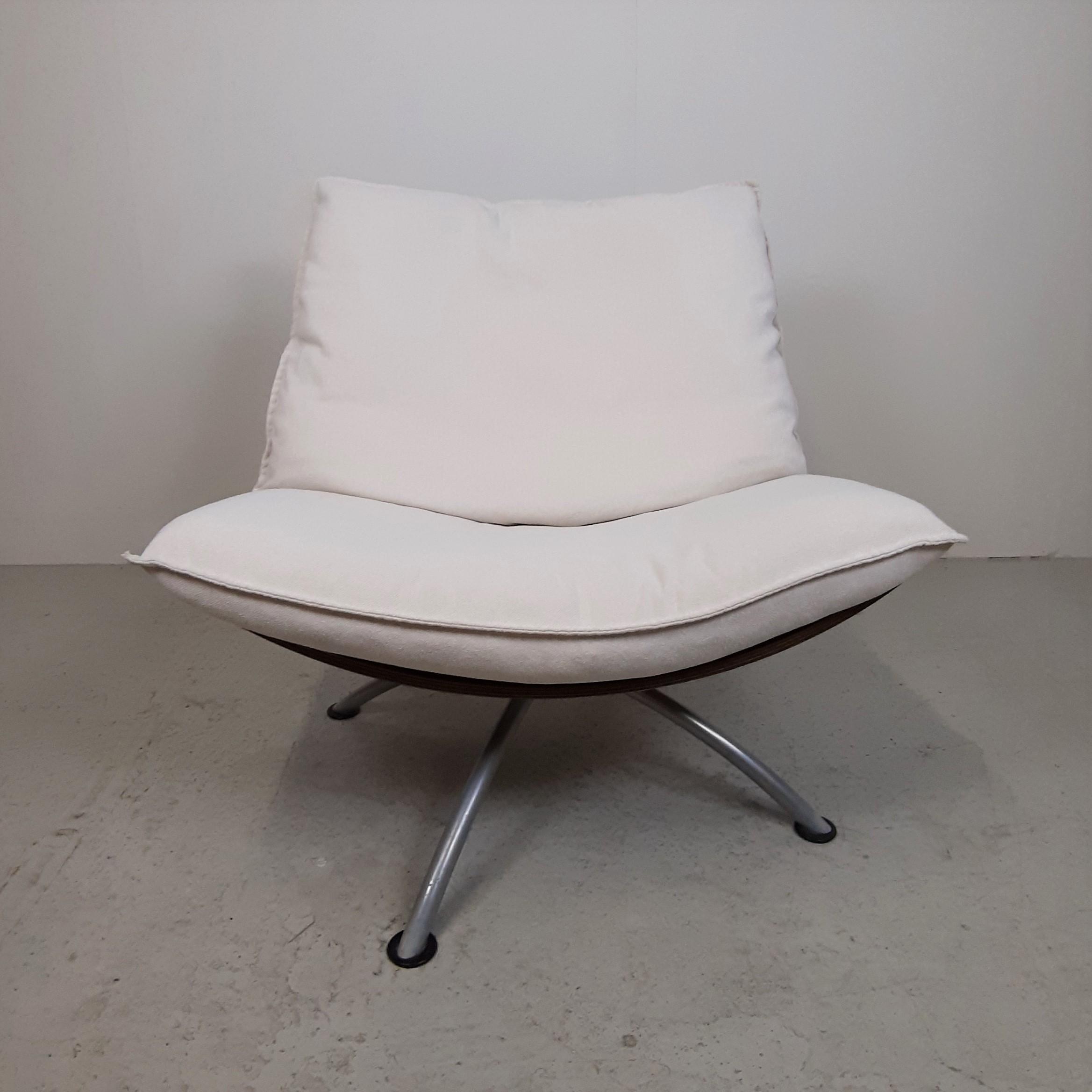 Tom Stepp | Lounge stol | Valnød